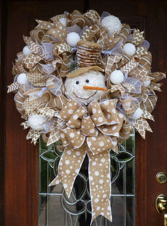 Diy d cor best ideas for christmas burlap wreath amelia for How to make christmas door wreaths